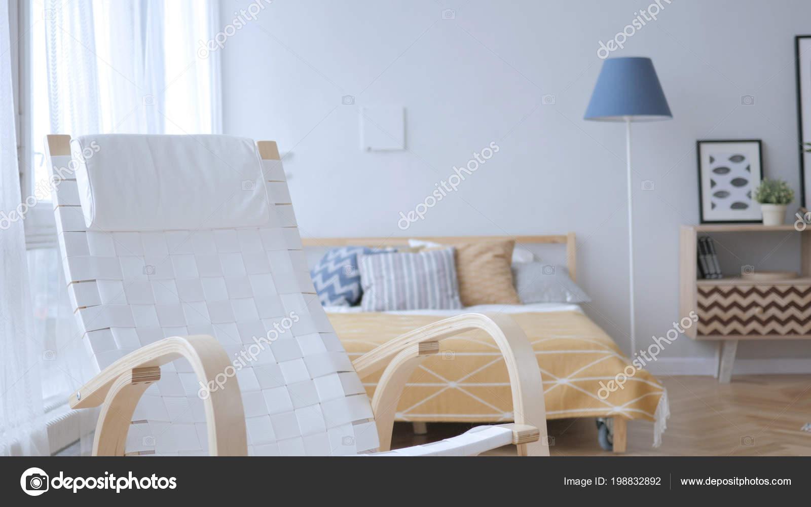 Leeren Entspannenden Stuhl Schlafzimmer — Stockfoto ...
