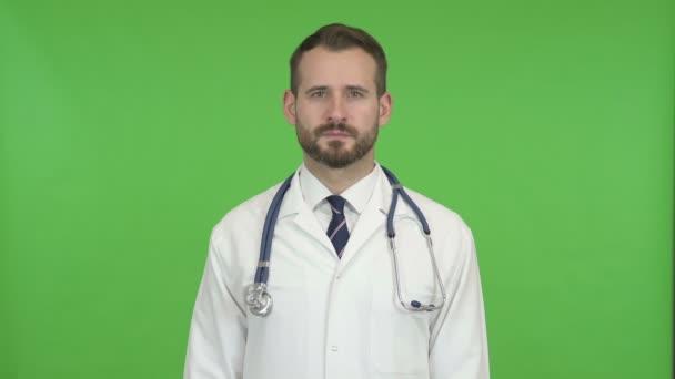 Ehrgeizige Ärztin macht kein Zeichen per Kopf gegen Chroma-Schlüssel