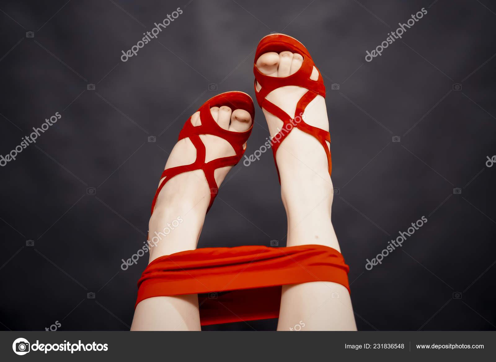 Красные шпильки секс