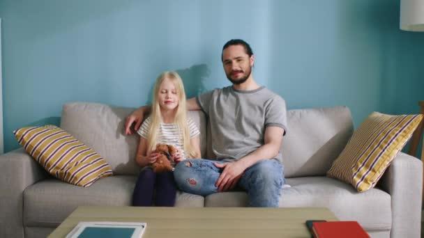 Portrét otce a jeho malé krásné dcery