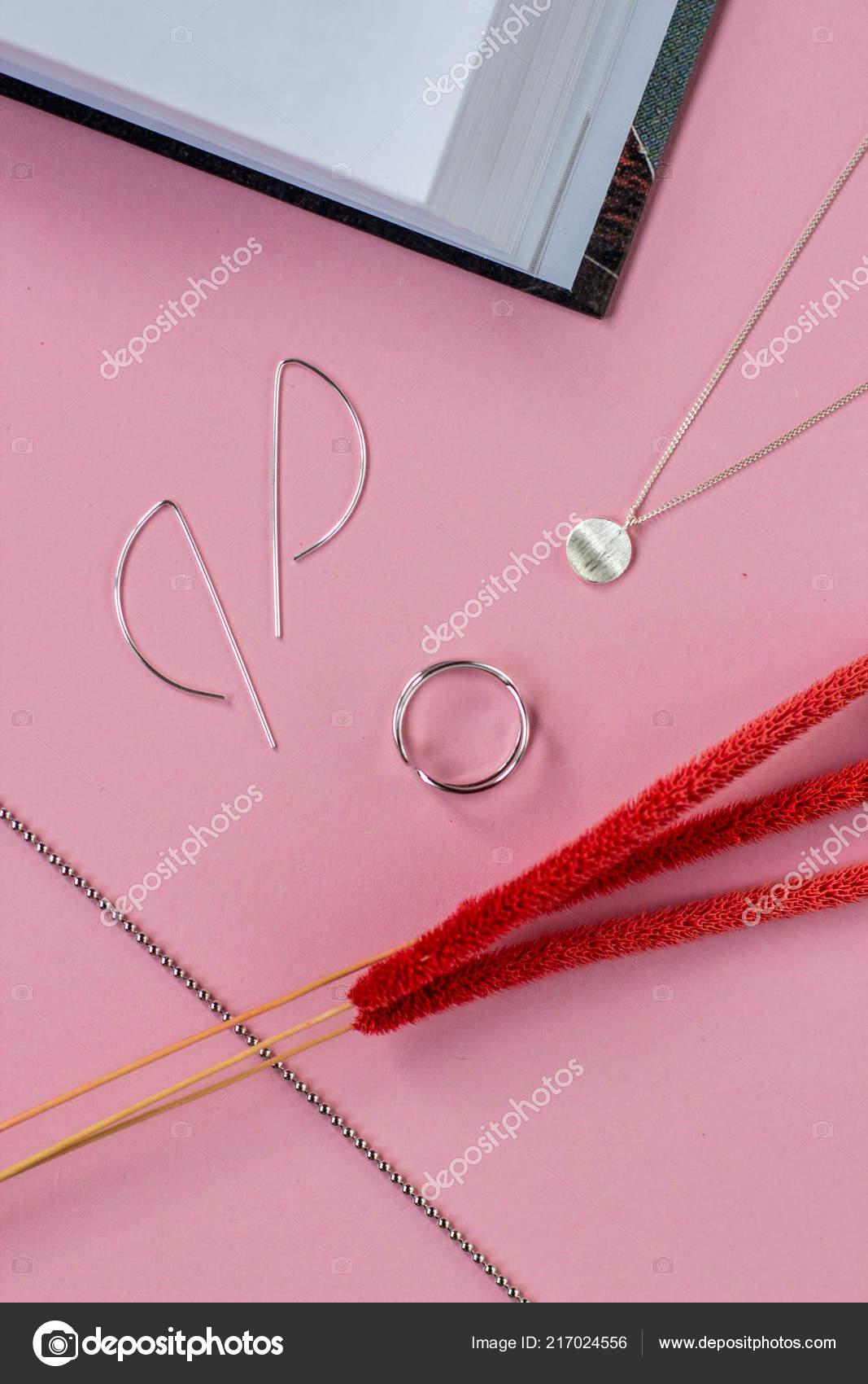 Ασημένια Κοσμήματα Δαχτυλίδια Και Βραχιόλια Μινιμαλιστικό Στυλ Ροζ ... 082ae446279