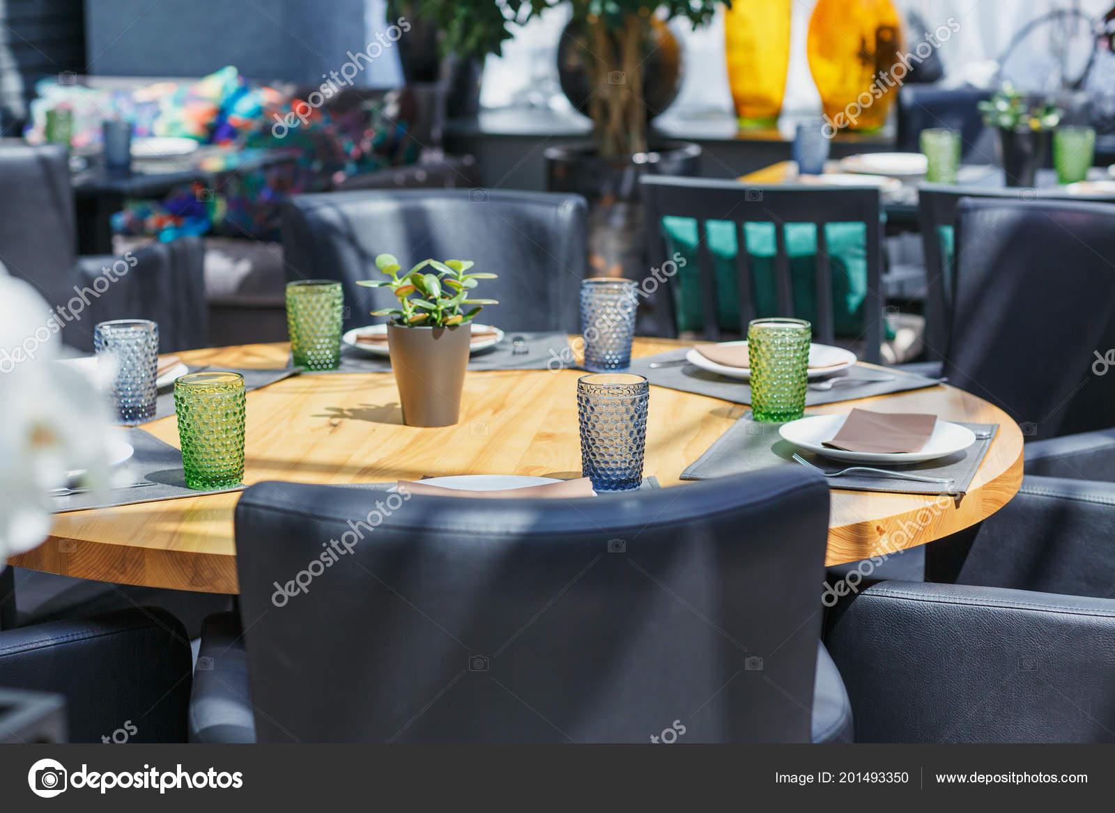 Tischgesteck Restaurant Tisch Fur Ein Event Party Oder