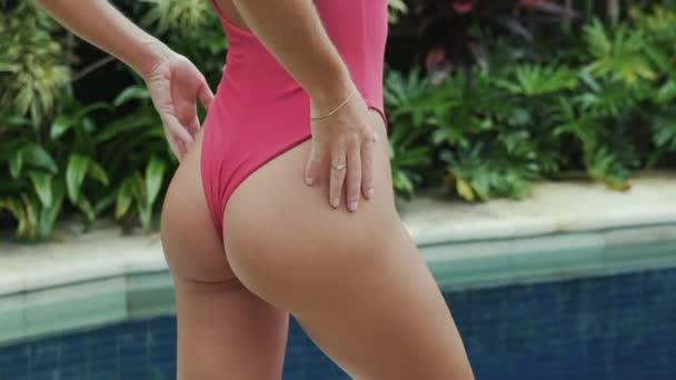 Ass round ass