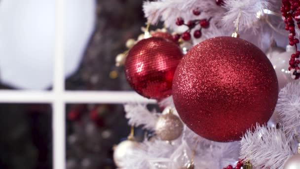 Vánoční hračky na Zimní strom. Šťastný nový rok
