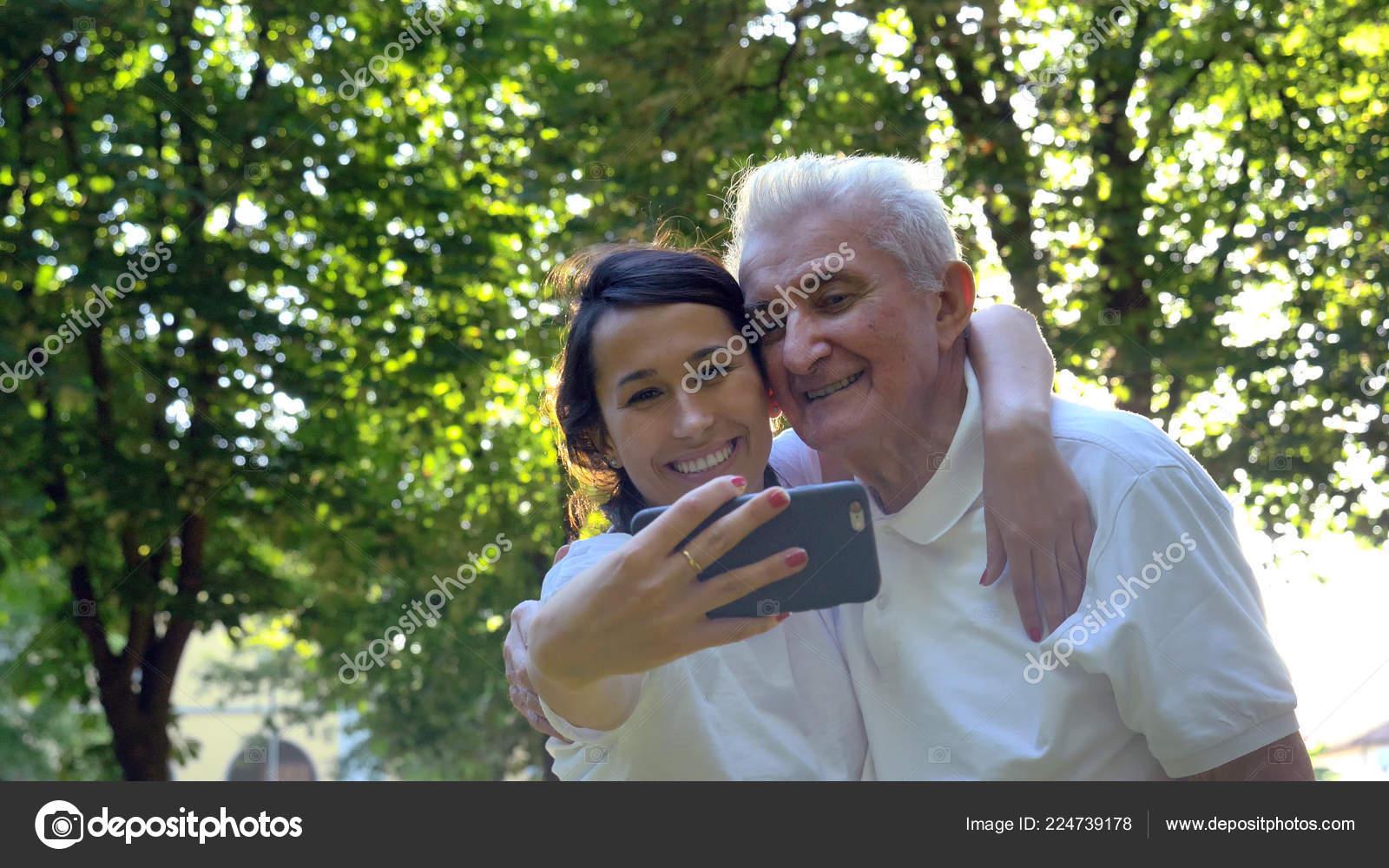 Дед с медсестрой в доме престарелых дом престарелых каширский район воронежской области