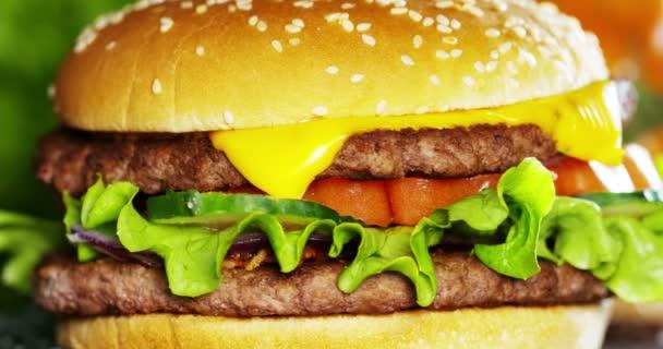 točení kolem video z amerického lahodný hamburger
