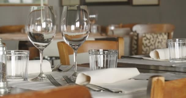 catering procedures, seals, preparation of dishes and restaurants, concept of elegance and luxury in Italian food