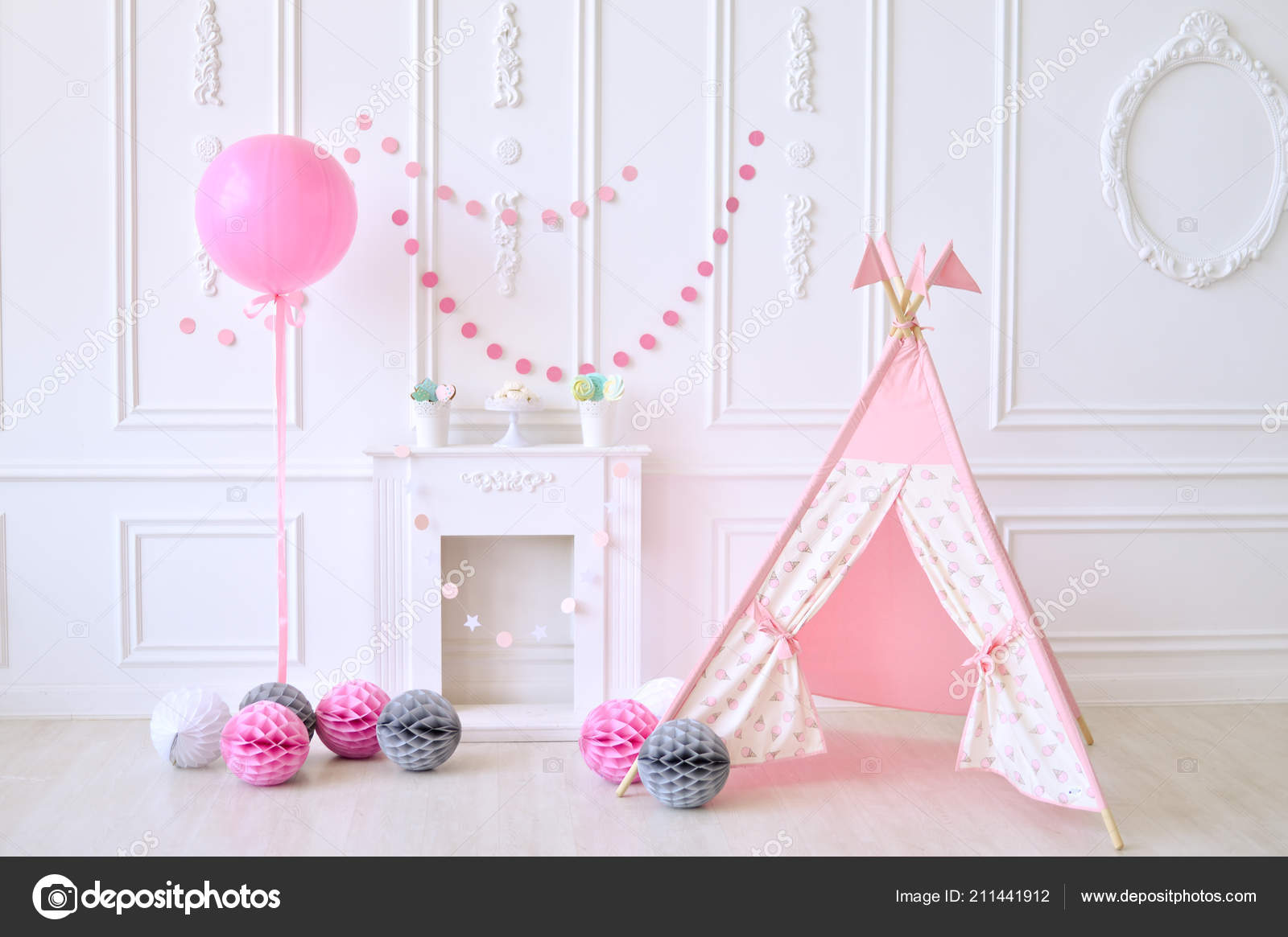 Children Birthday Decorations Holiday Party Girl Lot Balloons Stockfoto