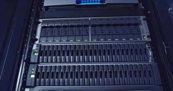 Serverraum in einem Cloud Computing Rechenzentrum