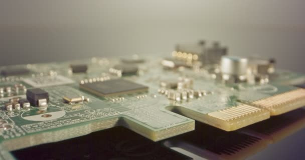Extrém makró dolly szemcsésedik-ból egy számítógép Edelbrock kondenzátorok valamint a tranzisztorok