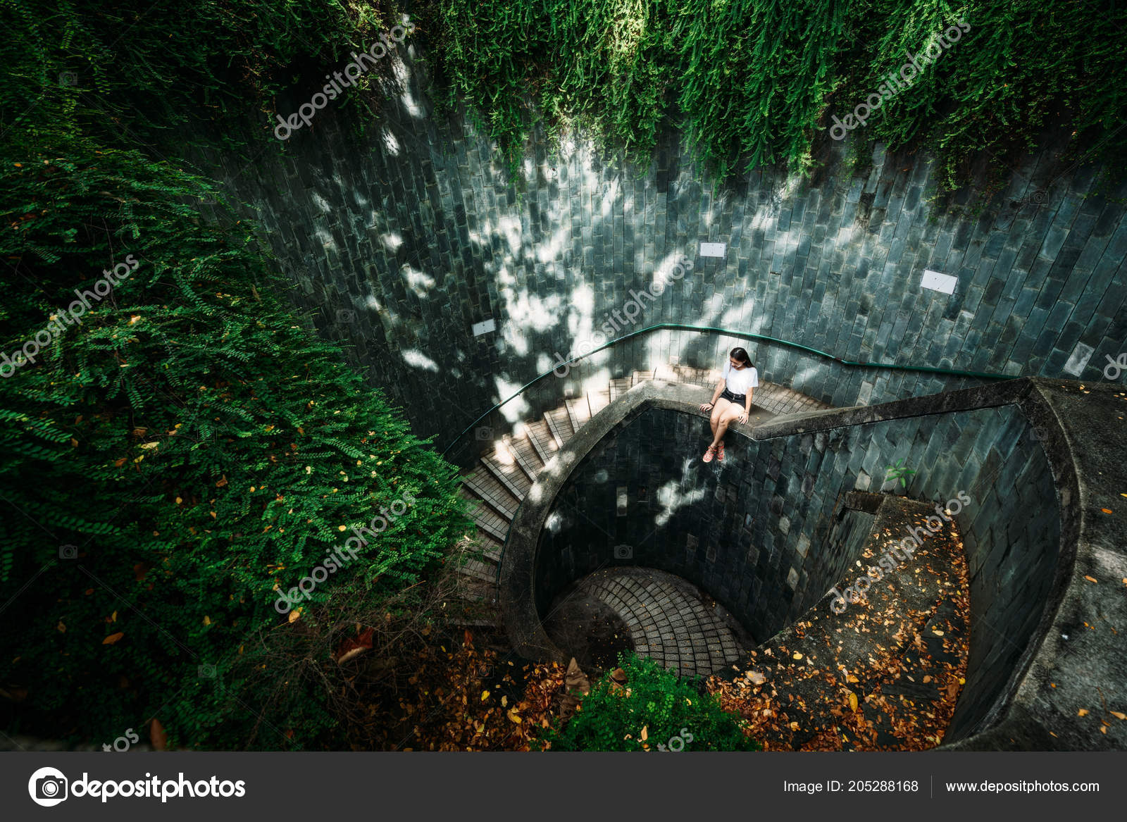 Young Girl Traveler Sitting Circle Stairs Spiral Staircase Underground  Crossing U2014 Stock Photo