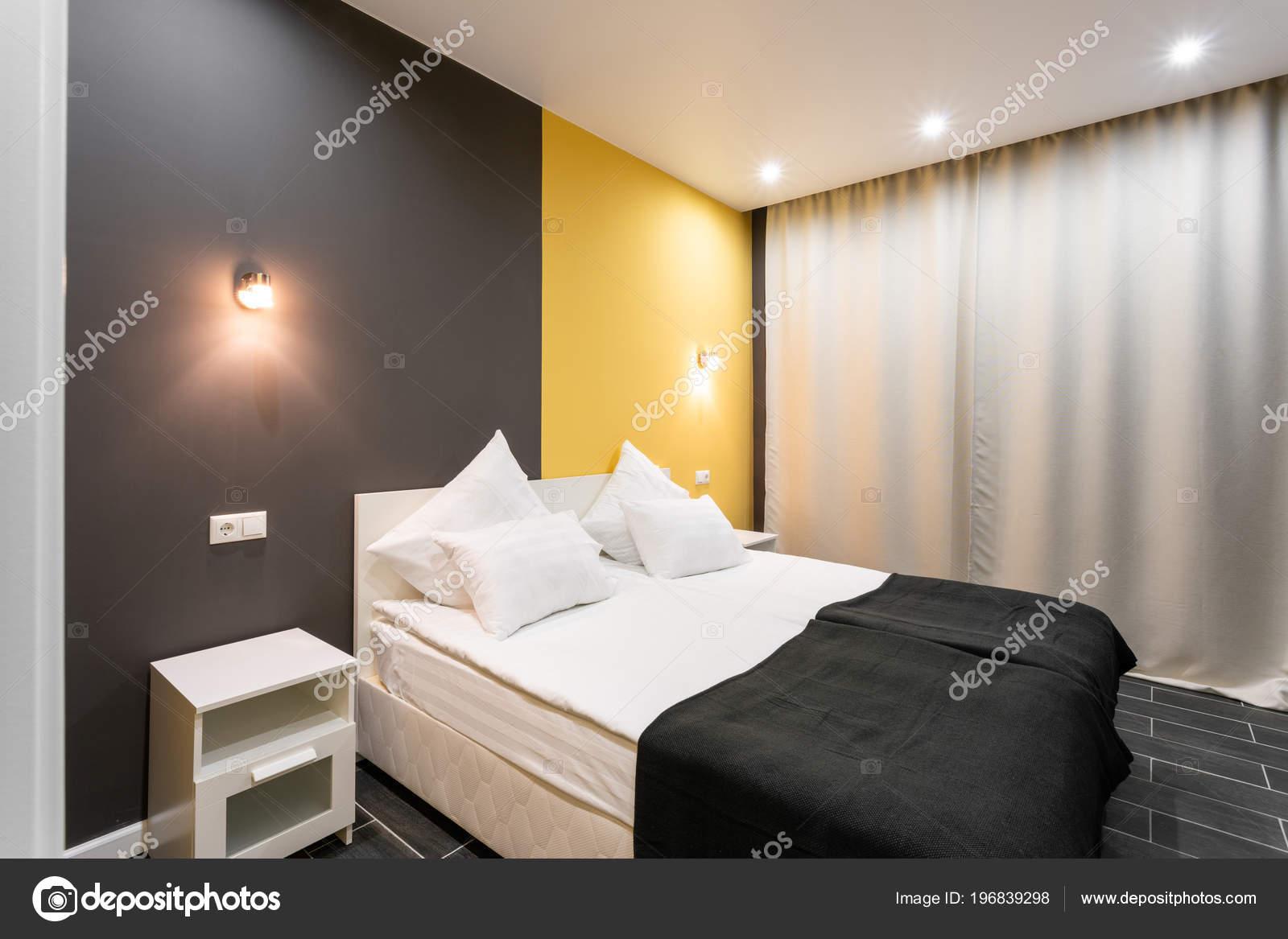 Camera standard di Hotel. camera da letto moderna con ...