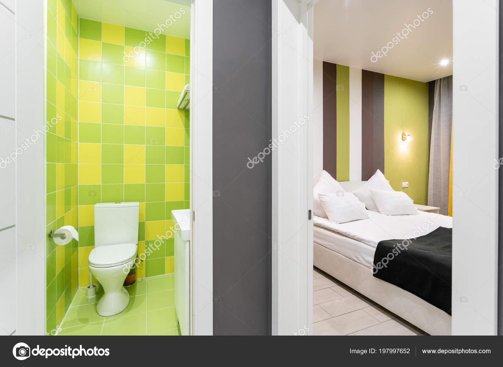 łazienka Z Prysznicem Miska Wc I Umywalką Hotel Standart