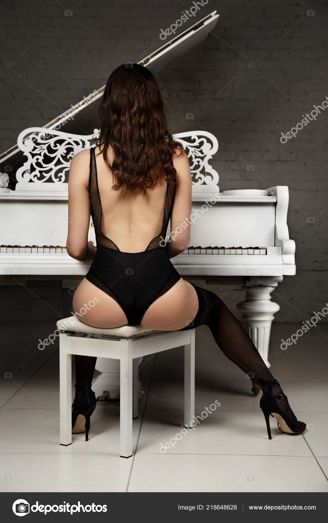 depositphotos_218648628-stock-photo-girl