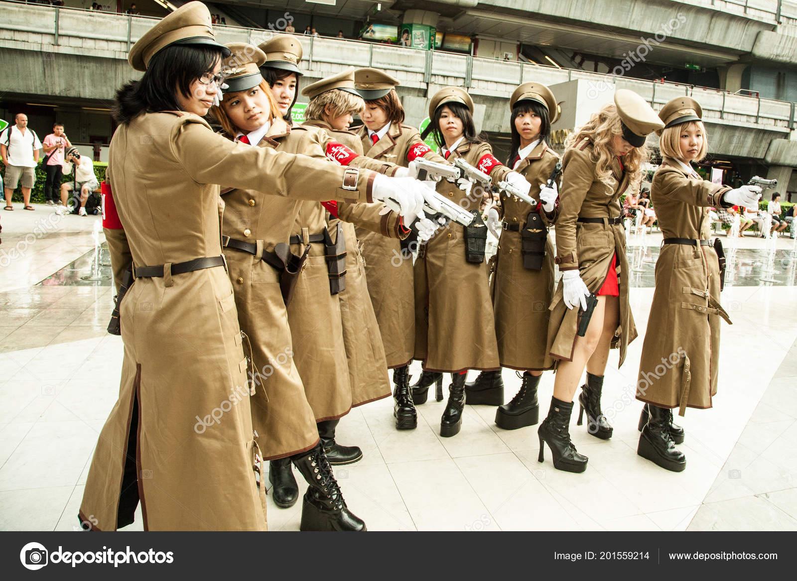 Young bangkok street girls well