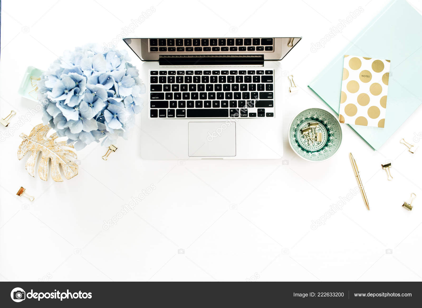 Moderne Home Office Schreibtisch Mit Laptop Hortensie Blumen ...