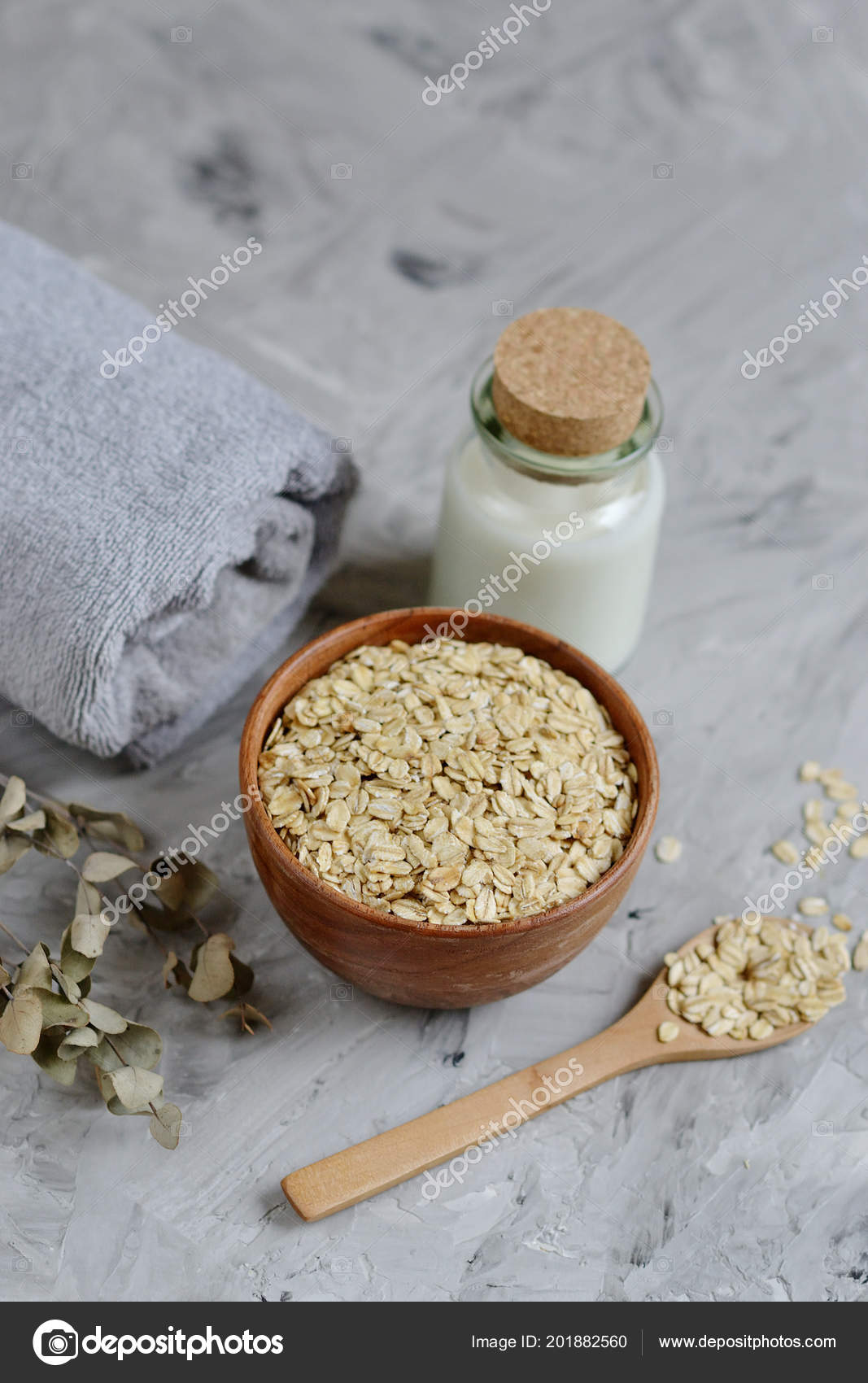 Natural Ingredients Homemade Oatmeal Milk Body Face Scrub Beauty Concept — Stock Photo