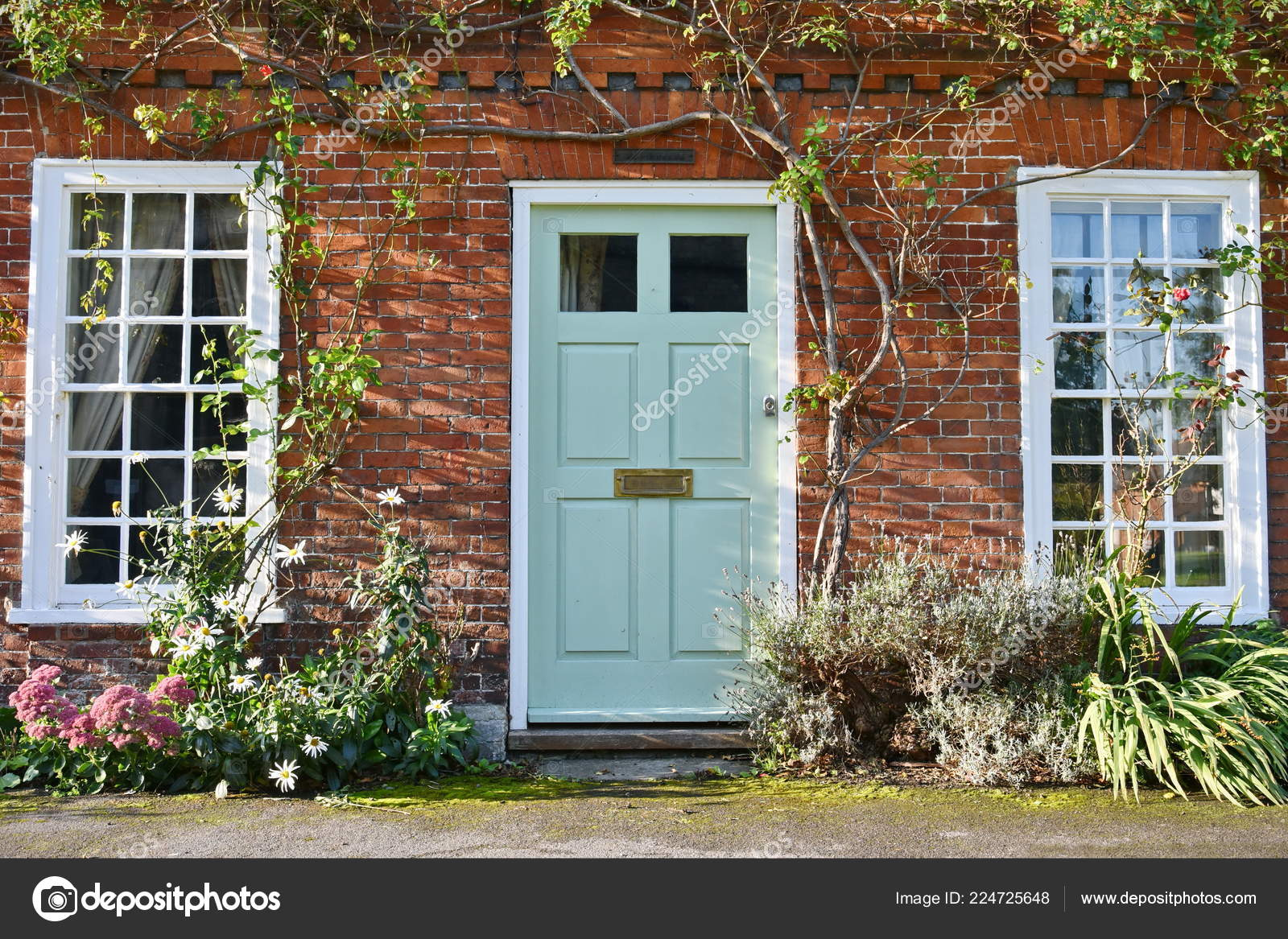 View Beautiful House Exterior Front Door Seen Street English Town Stock Photo Image By C 1000words 224725648