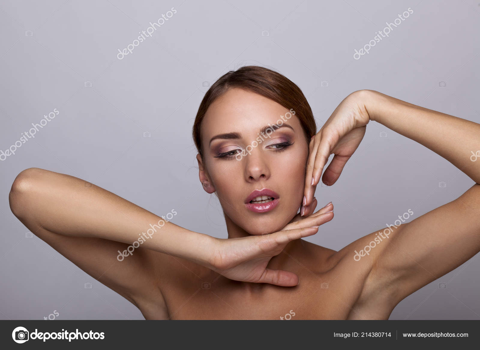 Τέλεια γυμνές εικόνεςVIP πορνό κανάλι