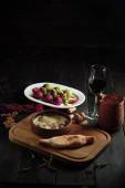 Szicivi és előételes zöldséggolyók. étkezési menü
