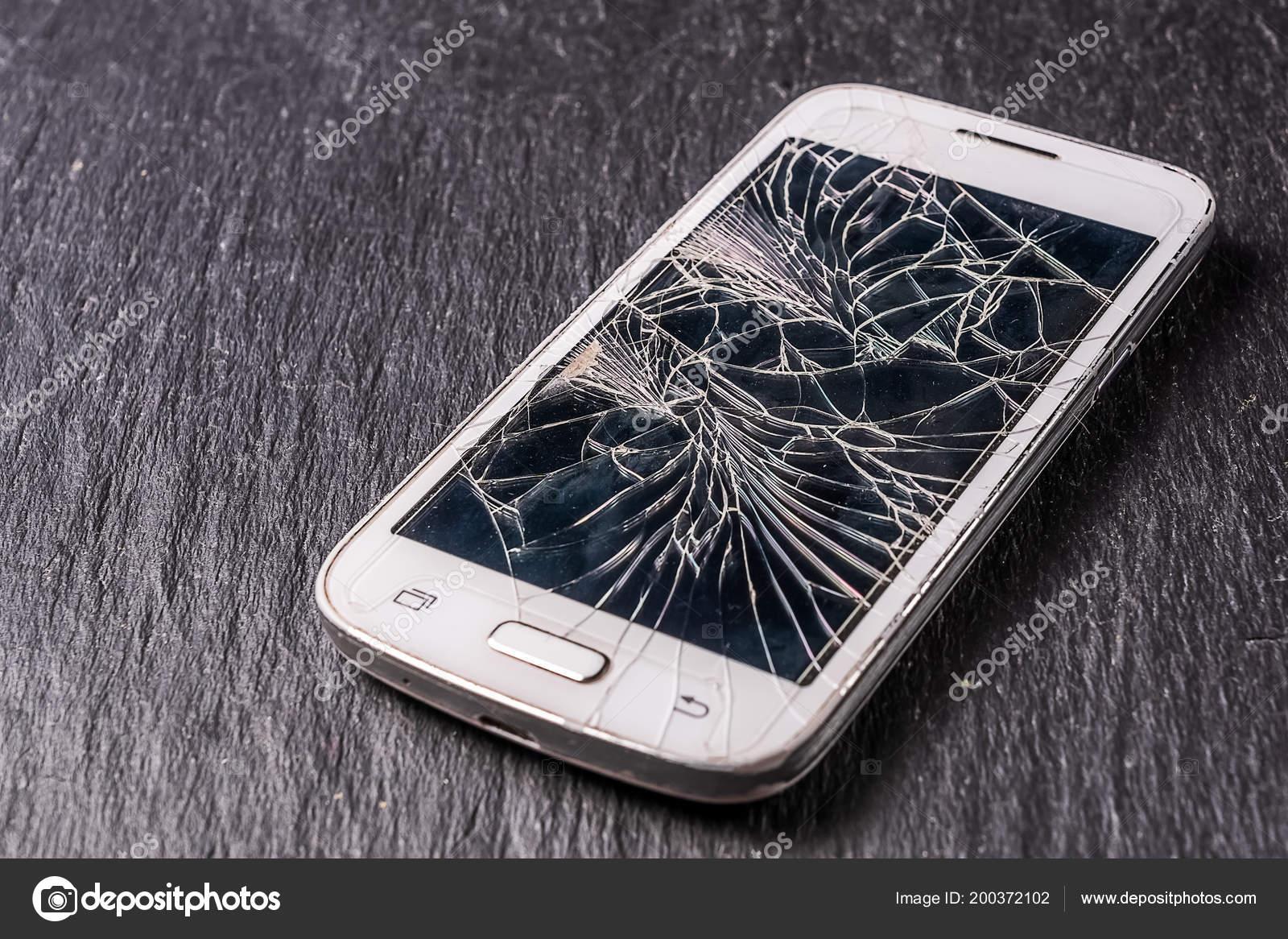 Che Trova Sullo Schermo Del Telefono Mobile Rotto Sfondo Nero Foto