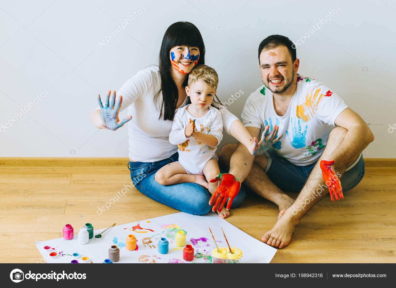Familias Felices Para Pintar Familia Feliz Pintando Cartel Otros