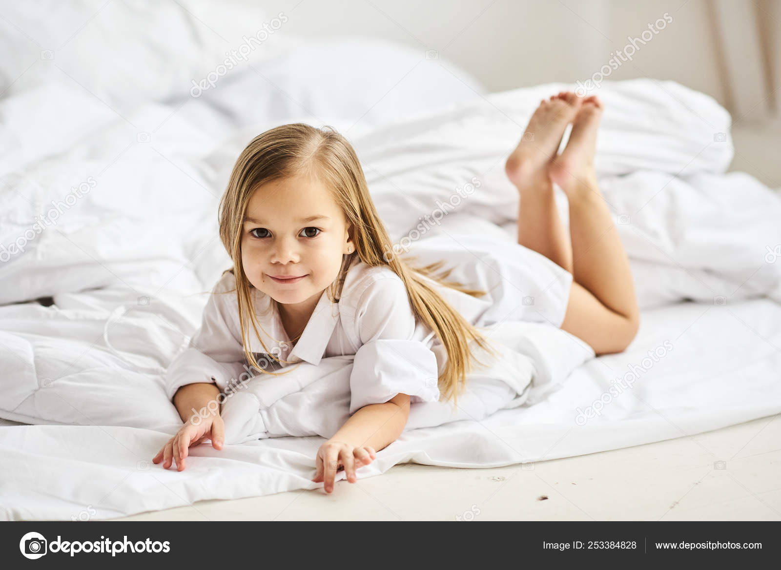 Portrait Beautiful Little Girl Morning Bedroom Stock Photo Image By C Life 253384828