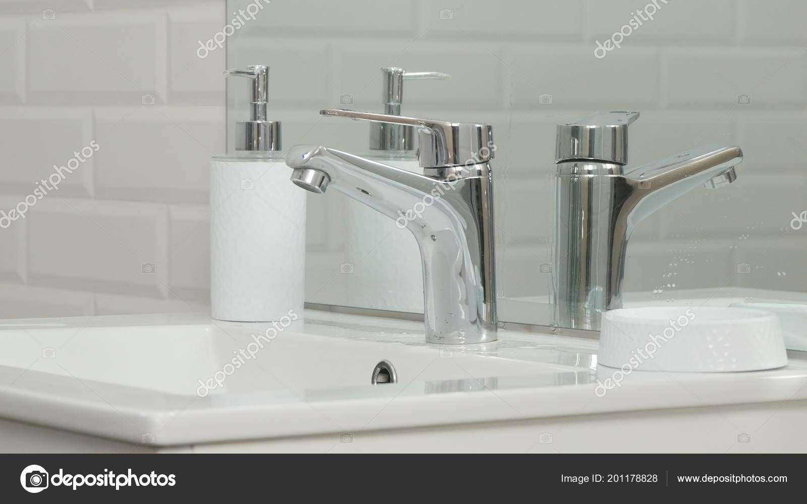 Modern Bathroom Picture Sink Faucet Flowing Water — Stock Photo ...