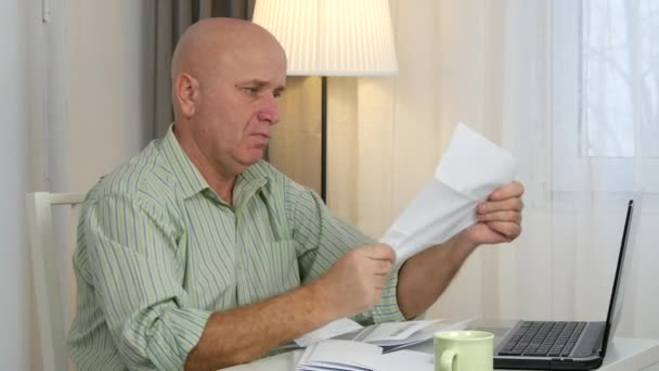 Podnikatel Make účetnictví kalkulace čtení faktur a používat přenosný Program