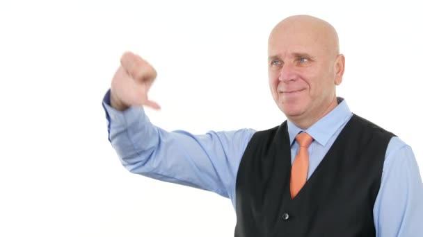 Podnikatel Make prst ukazující dolů varování dáblovy