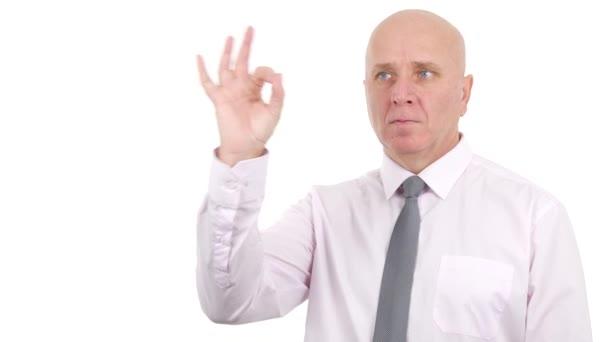 Podnikatel prezentace Make Ok ruční gesta dobrou práci prstů znamení