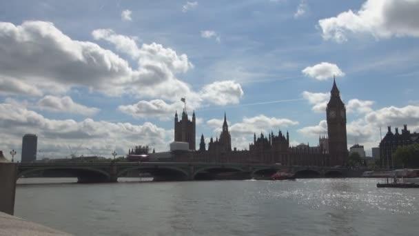 Londýn centrum časová prodleva s Westminsterského paláce a řeky Temže