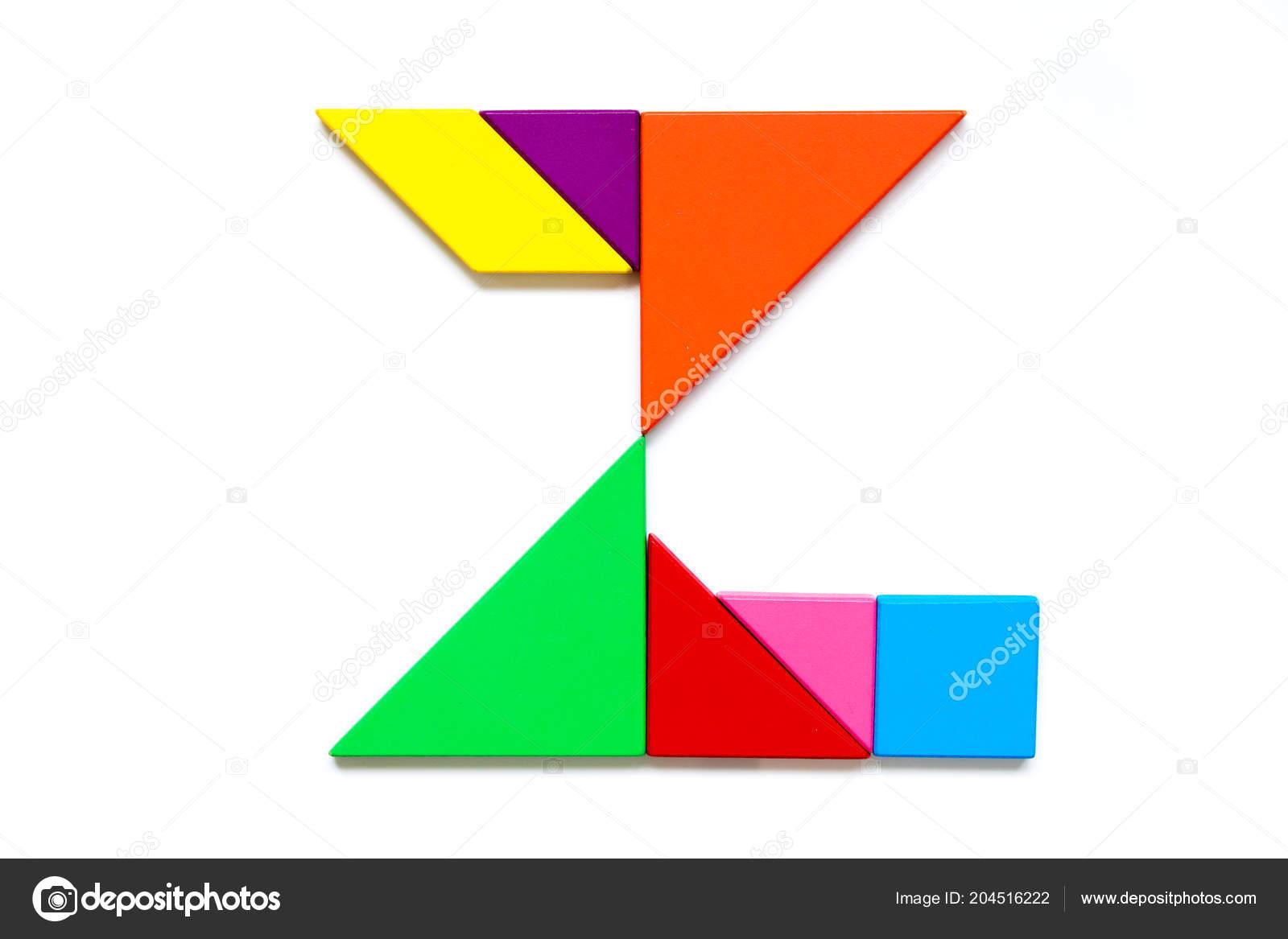 白い背景の英語のアルファベット 図形の色タングラム パズル