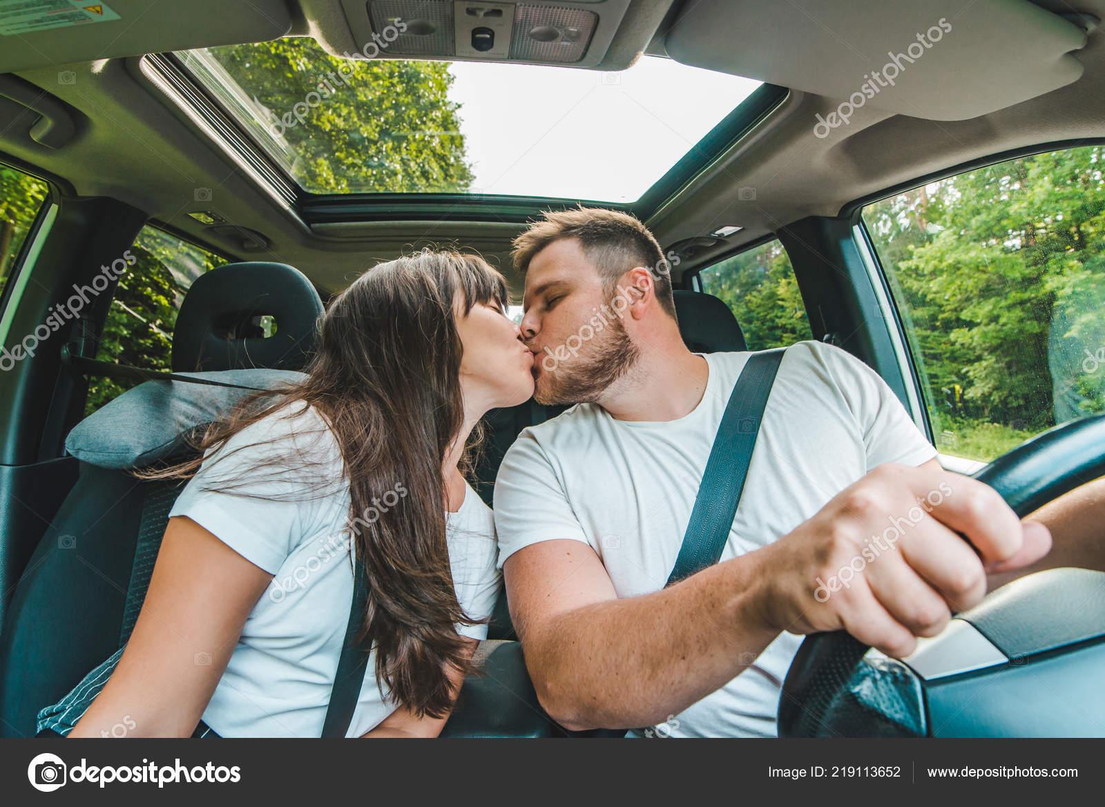 оказаться чудесной фото целующихся в машине крупно пляжи сицилии для