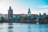 Praha, Česká republika - 22. září 2018: panorama pohled z Prahy na východ slunce v teplý podzimní den. kopie prostor