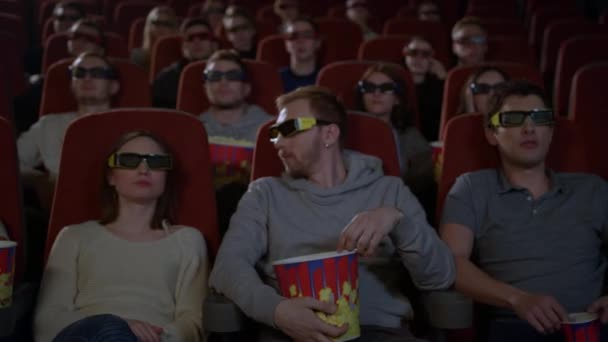 Секс в кинотеатре блондинка попкорн онлайн — img 8