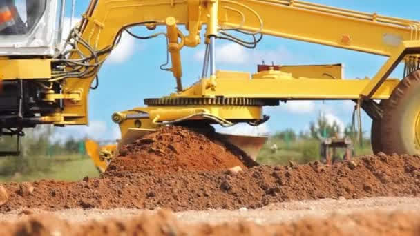 Autogradery vyrovnání terénu. Stavební lokality stroje