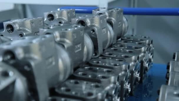 Géptartozék-gyártásban. Acél engeeniring. Motor részlet termelés
