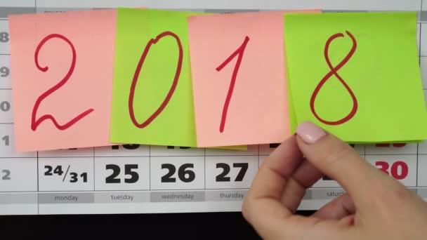 az új évben 2019 fogalom. Színes böllér-val számok 2019-naptár.