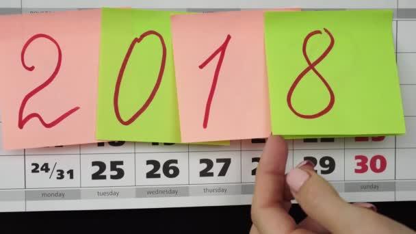 Színes böllér-val számok 2019 a naptárban. Az új évben 2019 fogalom.