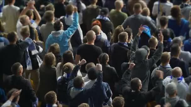 Foul von Fußballfunktionären, enttäuschten Fans, 4k