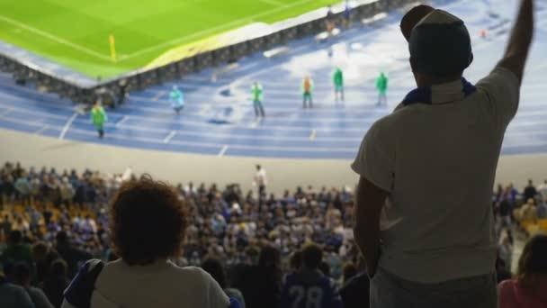 Fotbaloví fanoušci jejich týmu, 4k