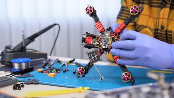 Rennsport fpv Drohnenbau, kundenspezifische Drohnenmodellierung, Wartung, Reparaturzentrum