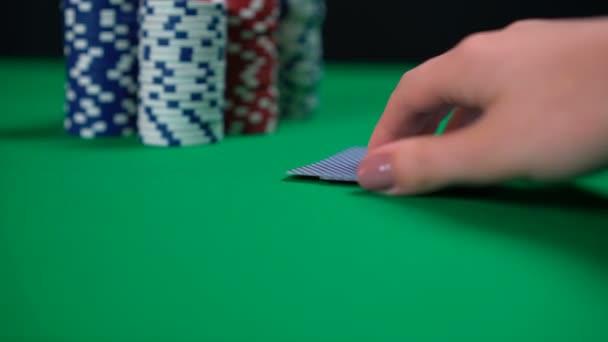 Kontrolka hráče Poker, dvojitá ESA, šťastné karty, úspěšná hra, vítěz
