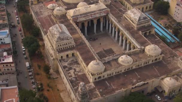 Madurai, India, Thirumalai Nayakkar palota, 4k légi felvétel