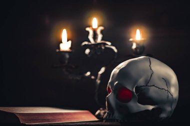 skull and candles