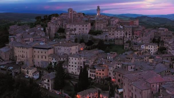 Itálie, Toskánsko, provincie Siena, Montepulciano