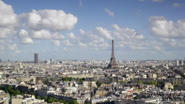 Město a Eiffelova věž, vyhlídka na střechy, Paříž, Francie, Evropa
