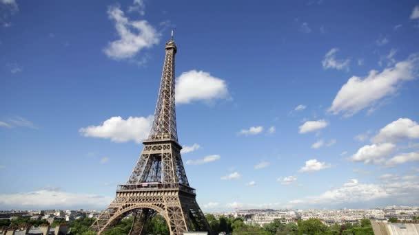 Eiffelova věž, vyhlídka na střechy, Paříž, Francie, Evropa