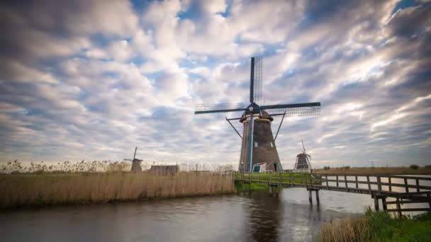 Větrné mlýny, Kinderdijk, UNESCO, Nizozemí, Evropa